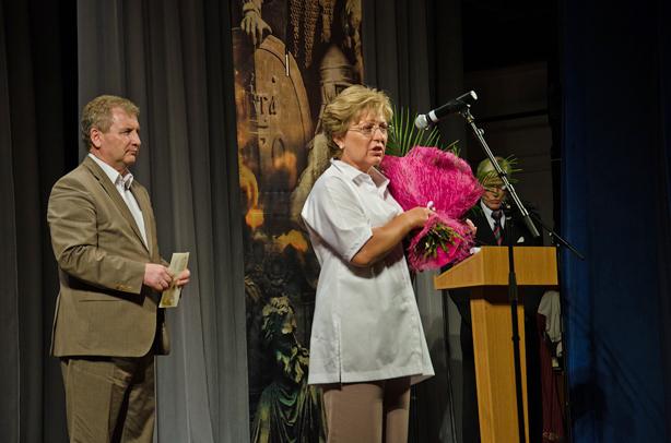 Номинация «Подвиг»: Сивкова Светлана Геннадьевна Вручает премию Григорий Петрович Ивлиев